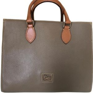 Dooney Bourke wome handbag